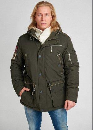 Осень-зима Удлинённая куртка норвежского бренда FERGO. Плотный материал (нейлон с хлопком) даёт дополнительную защиту от холода. Непродуваемая влагозащищенная ткань. Среди особенностей можно выделить