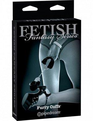 Черные меховые наручники Furry Cuffs