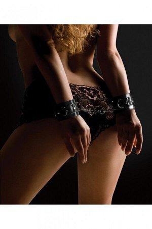 Черные кожаные фиксаторы на руки Leather Cuffs OUCH!