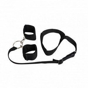 Ошейник с наручниками и фиксирующей лентой