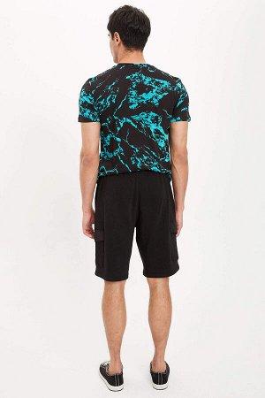 шорты Размеры модели: рост: 1,88 грудь: 98 талия: 80 бедра: 98 Надет размер: M  Хлопок 100%
