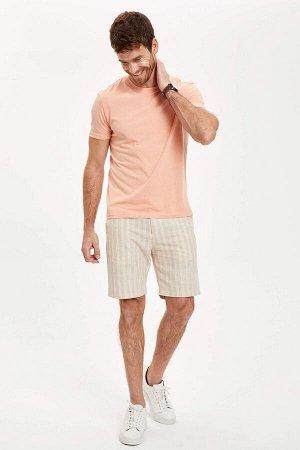 шорты Размеры модели: рост: 1,89 грудь: 100 талия: 74 бедра: 97 Надет размер: 32  Хлопок 60%, Полиэстер 40%