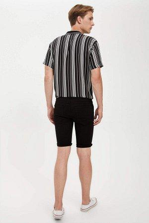 шорты Размеры модели: рост: 1,89 грудь: 98 талия: 76 бедра: 96 Надет размер: 30 Elastan 2%,Elastomultiester 8%, Хлопок 90%
