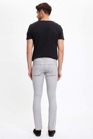 брюки Размеры модели: рост: 1,89 грудь: 100 талия: 74 бедра: 97 Надет размер: размер 30 - рост 32  Хлопок 98%,Elastan 2%