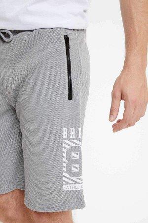 шорты Размеры модели: рост: 1,86 грудь: 96 талия: 82 бедра: 97 Надет размер: M  Полиэстер 70%, Хлопок 30%