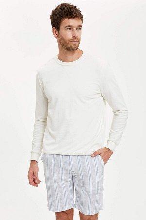 шорты Размеры модели: рост: 1,88 грудь: 106 талия: 85 бедра: 99 Надет размер: 32  Хлопок 60%, Полиэстер 40%