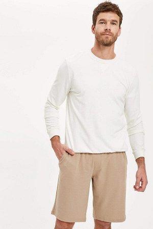 шорты Размеры модели: рост: 1,88 грудь: 106 талия: 85 бедра: 99 Надет размер: M  Полиэстер 50%, Хлопок 50%