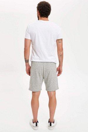 шорты Размеры модели: рост: 1,83 грудь: 98 талия: 82 бедра: 96 Надет размер: M  Хлопок 60%, Полиэстер 40%