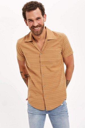 рубашка Размеры модели: рост: 1,83 грудь: 98 талия: 82 бедра: 96 Надет размер: M  Хлопок 70%, Вискоз 30%