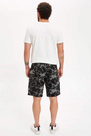 шорты Размеры модели: рост: 1,83 грудь: 98 талия: 82 бедра: 96 Надет размер: M  Полиэстер 62%, Хлопок 38%