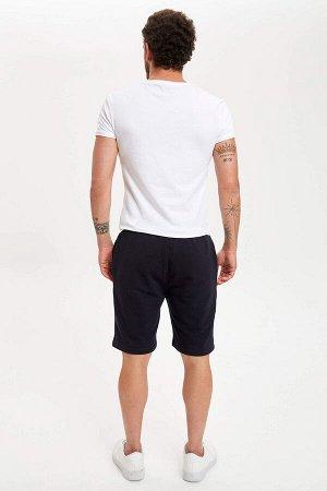 шорты Размеры модели: рост: 1,83 грудь: 98 талия: 82 бедра: 96 Надет размер: M  Полиэстер 35%, Хлопок 65%