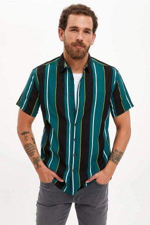 рубашка Размеры модели: рост: 1,83 грудь: 98 талия: 82 бедра: 96 Надет размер: M  Хлопок 100%
