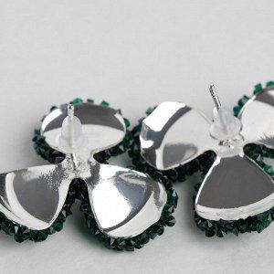 """Серьги со стразами  """"Цветочки"""" шанталь, цвет зелёный в серебре"""