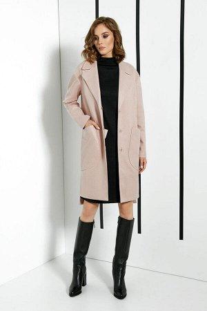 Пальто Пальто DI-LiA FASHION 0365 пудра  Состав ткани: Вискоза-15%; ПЭ-82%; Спандекс-3%;  Рост: 170 см.  Пальто женское, демисезонное из пальтовой ткани, на подкладке. По переду обработаны нагрудные