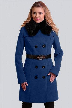 Синий Для непревзойденно изысканного образа: двубортное драповое пальто. Классическая модель с отложным воротником приталенного силуэта. Воротник можно поднять для большей защиты от ветра и холода. Мо