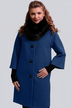Синий Невероятно изящное, безумно женственное и элегантное драповое пальто. Силуэт прямой. Рукав малого объема с небольшим расклешением, цельнокроеный. Модель дополнена съемным воротником-хомутом из и