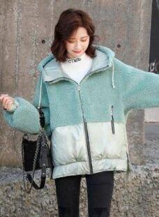 Утепленная комбинированная куртка с капюшоном