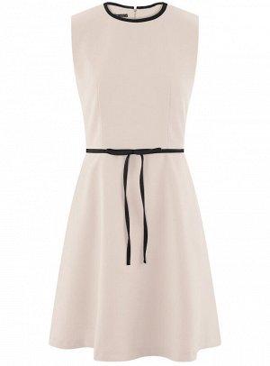 Платье на молнии с декоративным поясом