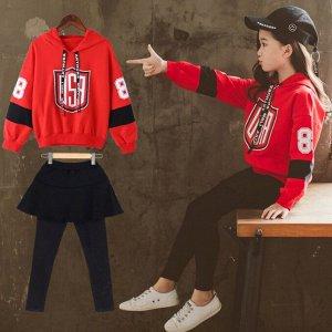 Костюмы Спортивный костюм — универсальный предмет детского гардероба. В нем можно не только заниматься спортом, но и гулять с друзьями, выезжать на пикники за город с мамой и папой, бегать по парку, к