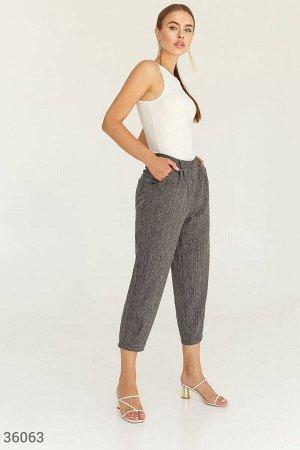 Укороченные брюки с защипами