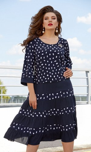 Платье Платье Vittoria Queen 11933  Рост: 164 см.  Модное платье в необычный горошек – находка для любого гардероба! Красивый синий цвет в сочетании с белым очень освежает. Материал очень прият