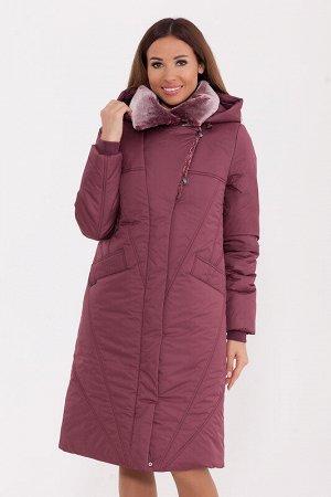 Пальто Состав: Полиэстер 78%, Нейлон 22%.  Цвет: Прелая вишня.   Подробнее: Полуприлегающее тёплое пальто с меховым английским воротником и ветрозащитной планкой. Пальто дополнено трикотажными манжета