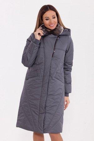 Пальто Состав: Полиэстер 78%, Нейлон 22%.  Цвет: Серый.   Подробнее: Полуприлегающее тёплое пальто с меховым английским воротником и ветрозащитной планкой. Пальто дополнено трикотажными манжетами и пр