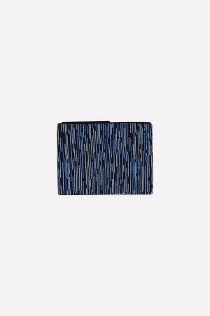 Шарф Цвет: темно-синий, голубой; Вид изделия: Вязаные изделия; Полотно: Пряжа полушерсть; Рисунок: темно-синий, голубой; Сезон: Осень-Зима Шарф из полушерстяной пряжи, с узором. Размер: 18*135 мм