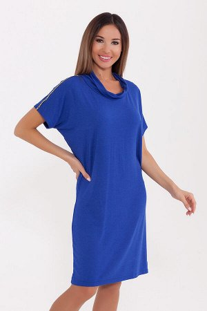 Платье Лучшего платья для деловой женщины не найти. Оно очень элегантно и вместе с тем имеет простой фасон. Такой наряд может меняться от повседневного до нарядного, в зависимости от того, какие аксес