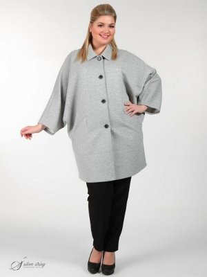 Пальто Старая цена: 6761,3 рублей. Скидка 64% Эффектное пальто с цельнокройным рукавом и отложным воротником. Объемный верх изделия плавно заужается к линии бедер, создавая элегантную форму, которая м