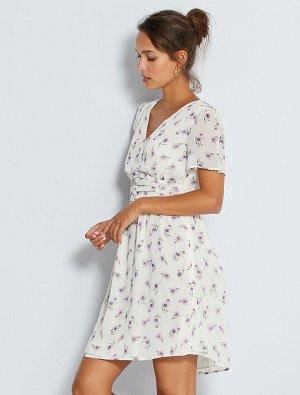 Платье из легкой ткани в цветочек