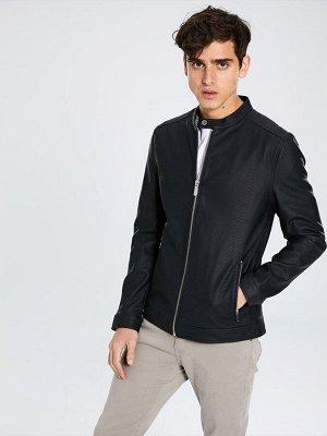 КУРТКА Толщина: Тонкий Тип товара: Куртки Длина: Короткий Фасон: Стандартный РАЗМЕР: 2XL, L, M, S, XL, XS; ЦВЕТ: Black СОСТАВ: Основной материал: 100% Полиуретан
