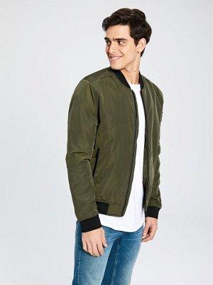 КУРТКА Фасон: Стандартный Толщина: Тонкий Тип товара: Куртки Длина: Короткий РАЗМЕР: 2XL, L, M, S, XL; ЦВЕТ: Khaki СОСТАВ: Основной материал: 100% Полиэстер