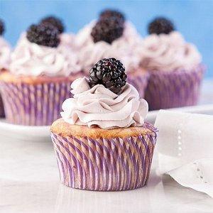 Ежевика Мармелад фигурный ЕЖЕВИЧКА — фигурки в виде ягод ежевики, выполненные из качественного сладкого мармелада. Мармелад «Ежевика» обладает глянцевым блеском, гладкой поверхностью, ягодным вкусом и