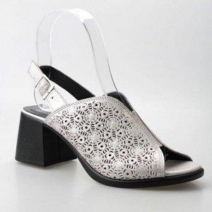 Босоножки Страна производитель: Турция Размер женской обуви x: 40 Полнота обуви: Тип «F» или «Fx» Вид обуви: Босоножки Материал верха: Натуральная кожа Материал подкладки: Натуральная кожа Каблук/Подо