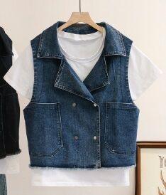 Комплект: джинсовый жилет + футболка