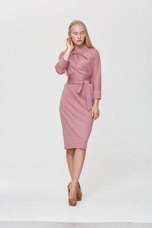 Платье ВИСКОЗА - 30%; ЛАЙКРА - 10%; ПОЛИЭСТЕР - 60% Платье ALINA ASSI BASIC прямого силуэта, чуть ниже колена. Длинный широкий пояс, завязанный под кимоно. Рукав 3\4 «колокольчик». Вырез - декоративны