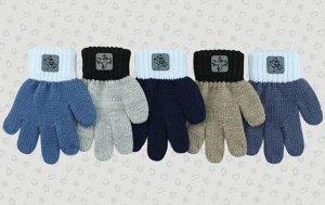 Перчатки Перчатки. Размер: 12,5 (2-3 года). Состав: 70% акрил 25% шерсть 5% мохер. Подклад: Без подклада