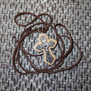 Крестик декорированный оливковым деревом+веревочка