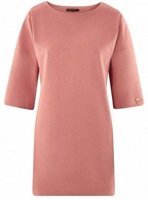 Платье прямого силуэта со спущенной проймой