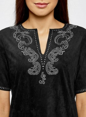 Платье из искусственной замши с декором из металлических страз