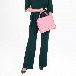 Сумка женская, отдел на клапане, наружный карман, регулируемый ремень, цвет розовый