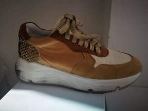 Factory Store женские кроссовки №1