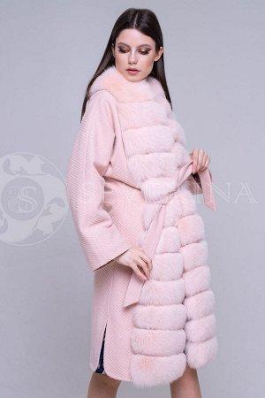 Пальто с отделкой из песца пудровый