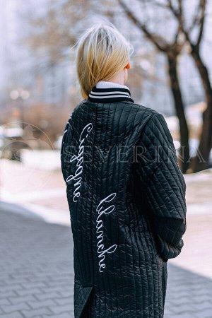 Пальто черное на биопухе принт