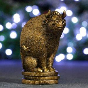 """Копилка """"Символ года: Бык на монетах"""" золотой, 9х6,5х11см"""