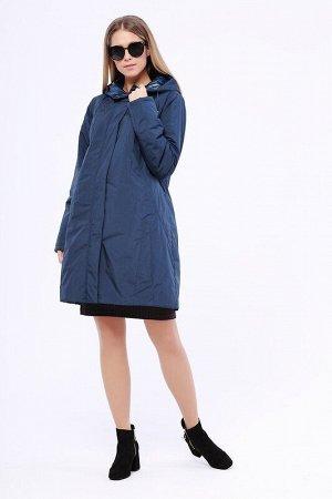 Пальто Описание: Утепленное пальто полуприталенного силуэта с рельефными строчками на спинке. Застежка на молнию и кнопки. Капюшон не отстегивается и регулируется кулиской. Цвет: Синий.  Состав: Полиэ