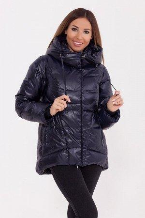 Куртка Описание: Укороченная тёплая куртка с капюшоном в спортивном стиле. Асимметричный низ куртки делает её оригинальной. Куртка дополнена прорезными карманами и трикотажными манжетами. Цвет: Темно-