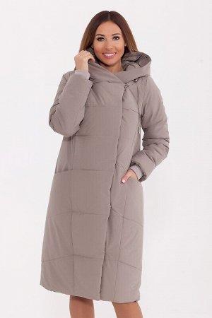 Пальто Описание: Стеганое зимнее пальто универсальной длины будет прекрасно смотреться как с юбкой, так и с джинсами. Фигурная линия горловины, параллельные линии стежек, и модный силуэт лаконично гар