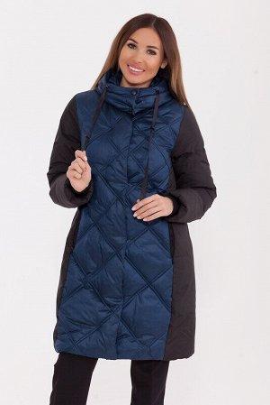 Пальто Описание: Стеганое пальто средней длины с контрастной отделкой. Интересная стежка в в виде увеличивающихся к низу квадратов. Скрытая молния и потайные кнопки. Воротник-стойка с потайными кнопка
